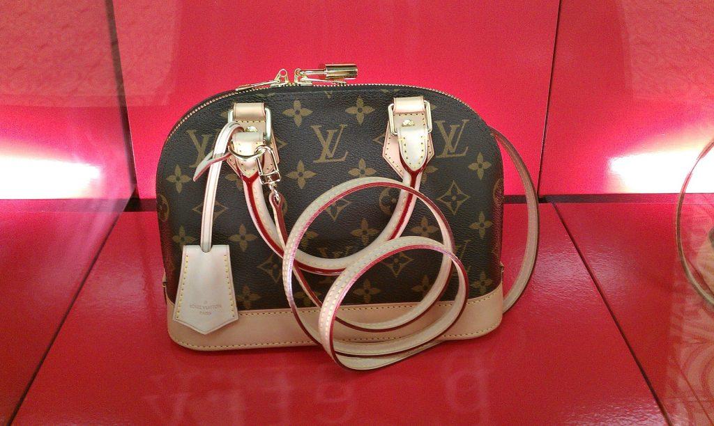 bag-950930_1920