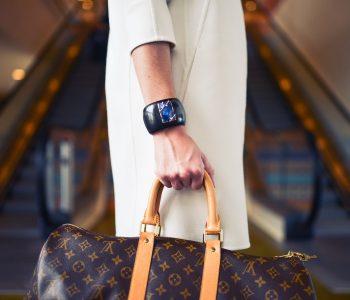 Combien coûte un sac de voyage Louis Vuitton ?