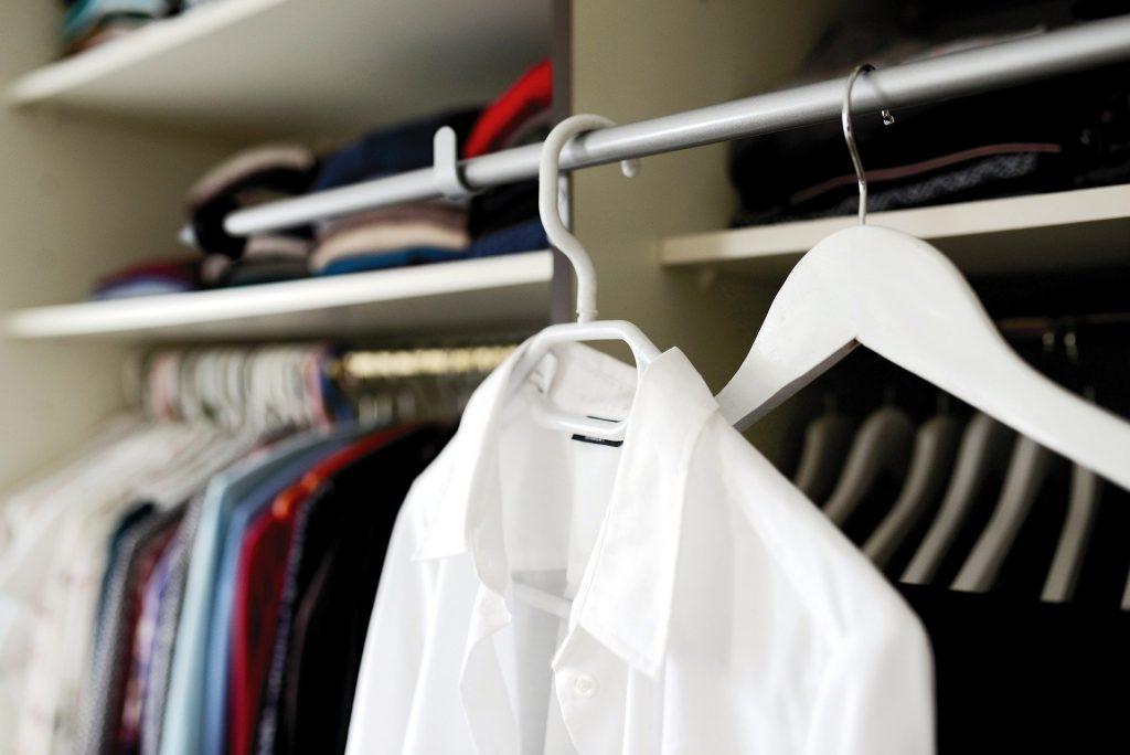 wardrobe-5961193_1920